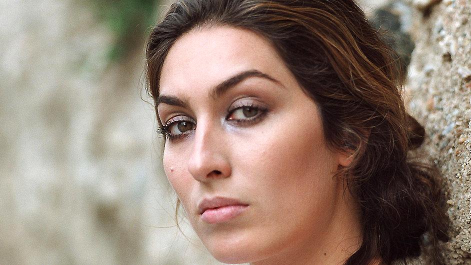 Estrella si letos zahrála i v krátkém filmu.
