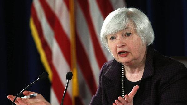Kurz dolaru po prohlášení Yellenové klesl.