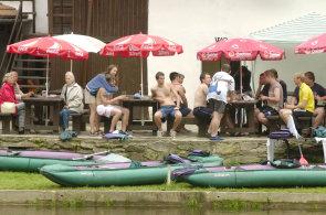 Zápisky protivného hosta: U Vltavy gastrozážitky nečekejte