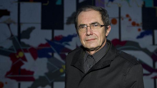 Miroslav Kmoch v roce 2005 dostal výpověď pro nadbytečnost od firmy Krohne. O výpověď se soudil.