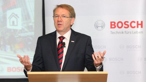 """""""V České republice se potkávají trendy negativního vývoje demografické křivky a nekončícího přílivu investic, především do průmyslu,"""" říká ředitel Bosch odbytová Peter Fouquet."""