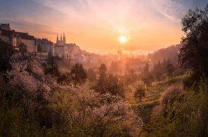 Jak Češi milují svou historii: Fotografickou soutěž amatérů vyhrál snímek Malé Strany, bodoval Karlův most