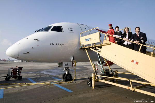 Letoun Embraer společnosti Austrian Airlines pokřtěný City of Prague