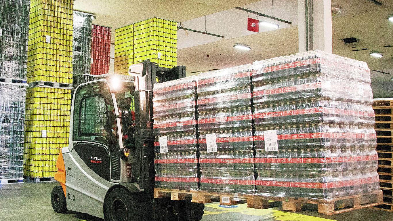 Coca-Cola HBC si před pár lety nechala zpracovat analýzu přechodu z plynových vozíků na elektrické.