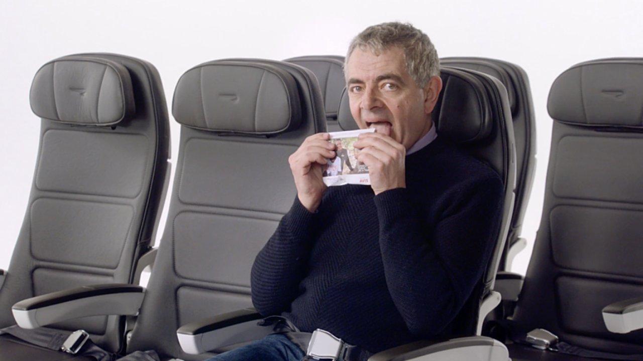 V novém spotu British Airways si zahrál Mr. Bean a další celebrity.