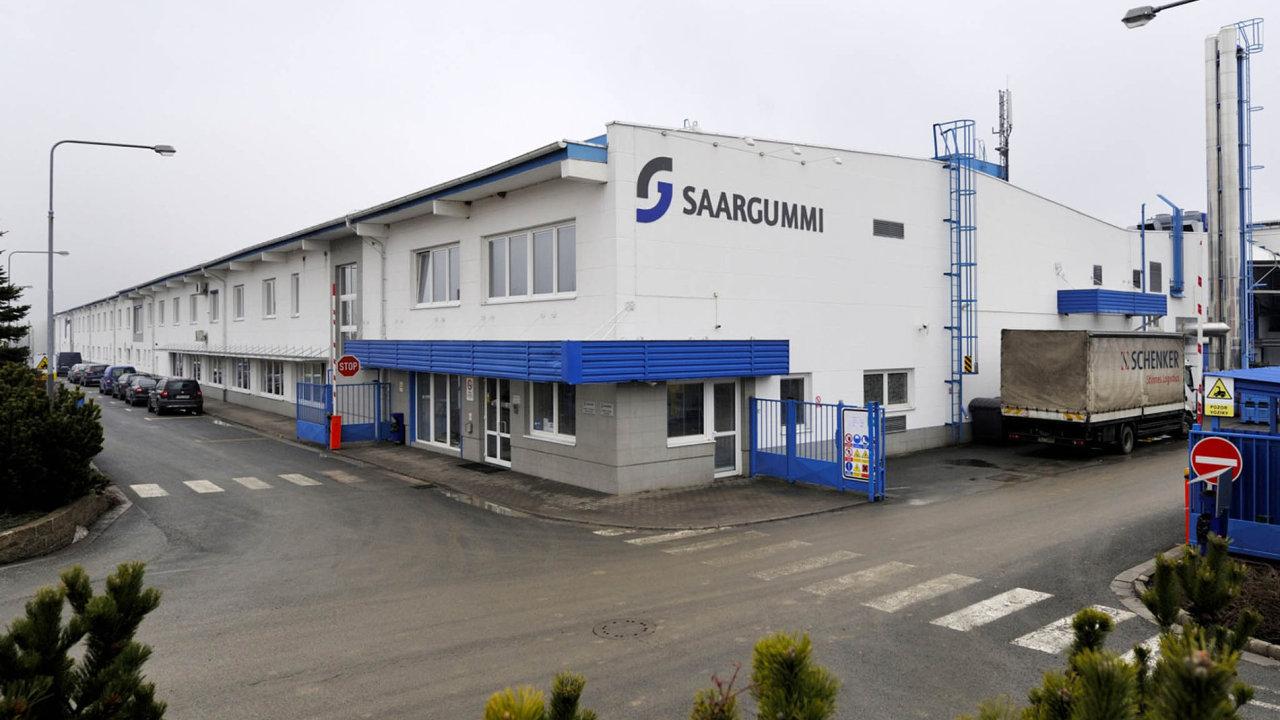 V českých závodech má firma Saar Gummi Czech k dispozici celkem 12 výrobních linek. Z nich osm běží v nepřetržitém provozu.