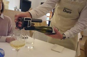 V Ungeltu sáhli po pistolích: Restaurace využívá přístroj, který dovolí nabízet vína po sklenkách bez zvětrání