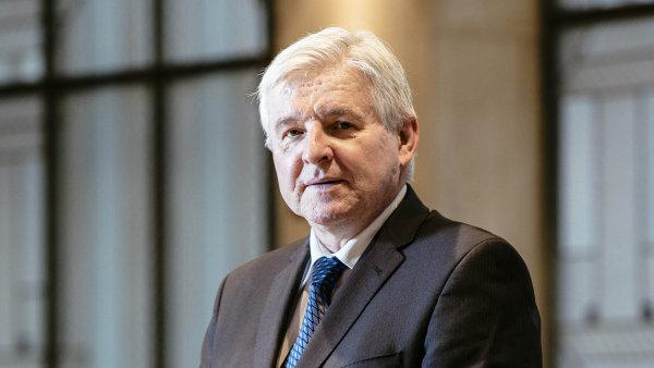 Pro další vývoj koruny bude klíčové, jak rychle bude ČNB v čele s guvernérem Jiřím Rusnokem zvedat úrokové sazby.