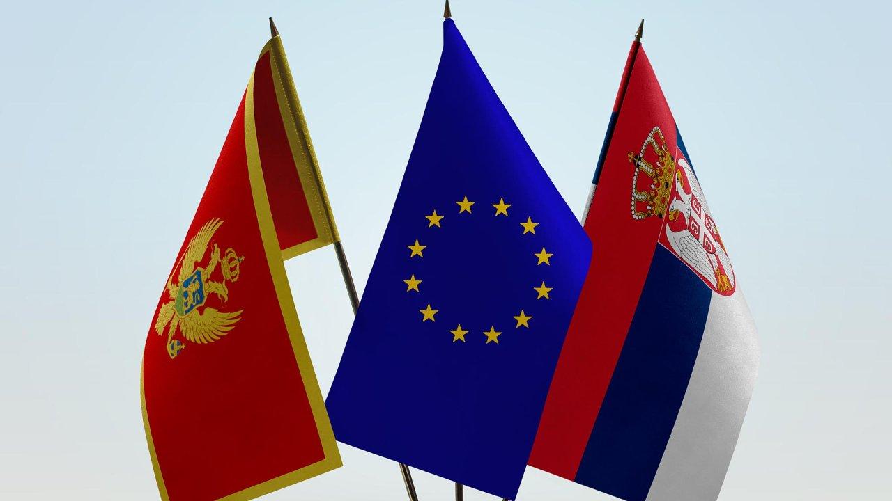 Balkán chce navázat bližší vztahy s Bruselem. Srbsko a Černá Hora chtějí do EU. A unie chce je.