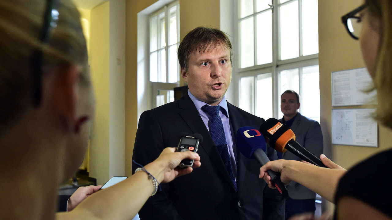 Jan Kněžínek: Náramky spustíme poměrně brzy. Pokud nenastane nějaký fatální problém, který neočekáváme, náramky budou ještě letos.