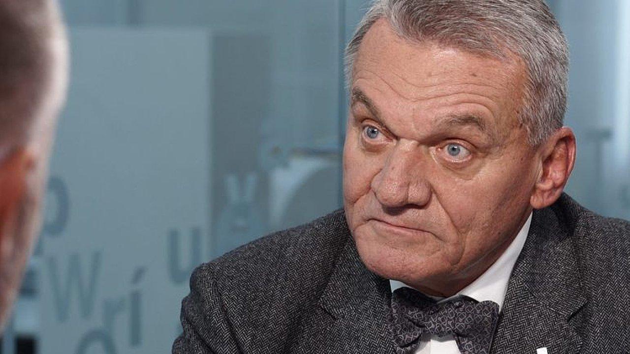 Účastníkem debaty je také lídr pražské kandidátky ODS Bohuslav Svoboda.