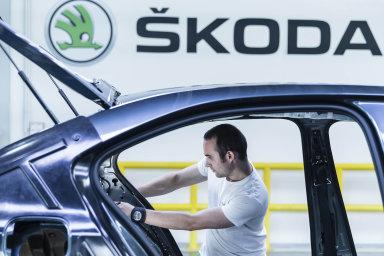 Na dani z příjmů právnických osob stát loni nejvíce získal opět od společnosti Škoda Auto.