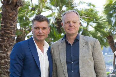 Zakladatelé firmy Mobile Industrial Robots Thomas Visti (vlevo) a Niels Jul Jacobsen.