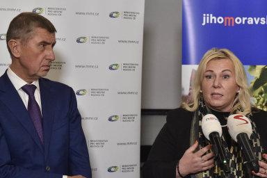 Premiér Andrej Babiš (ANO) dorazil doBrna, aby podpořil svou ministryni Kláru Dostálovou (zaANO), která tam přijela obhajovat návrh nového stavebního zákona.