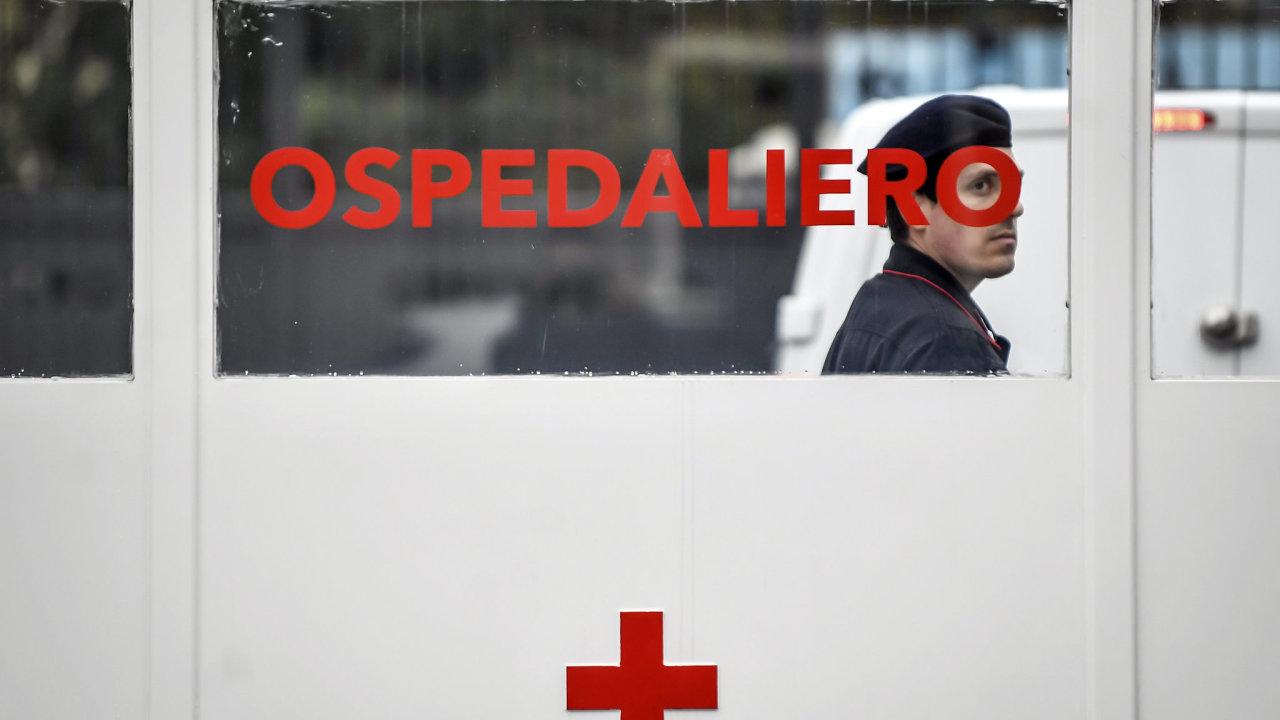 Miliony lidí na severu Itálie se ocitly v karanténě.