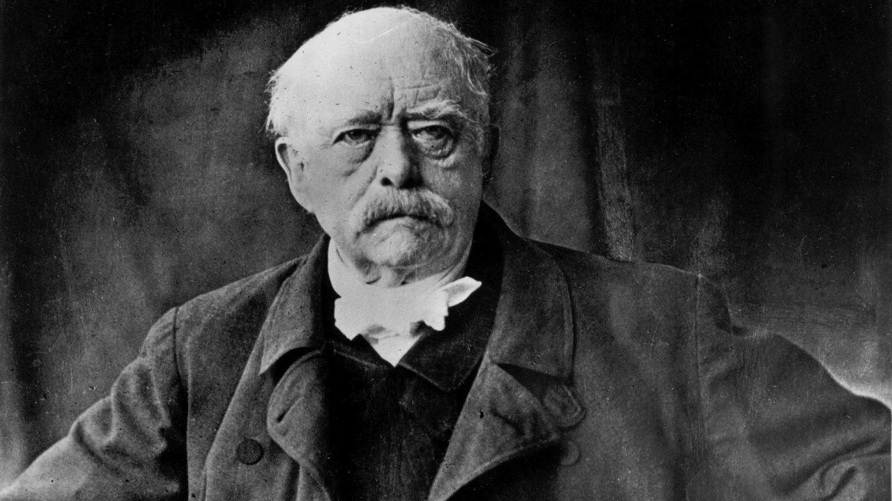 """Autoritář sám pro sebe. Despotickými metodami vládl Otto von Bismarck tak dlouho, až stanul před obrazem toho, čeho """"dosáhl"""", abyl zklamán. Naty, jimž vládl, ani nepomyslel."""