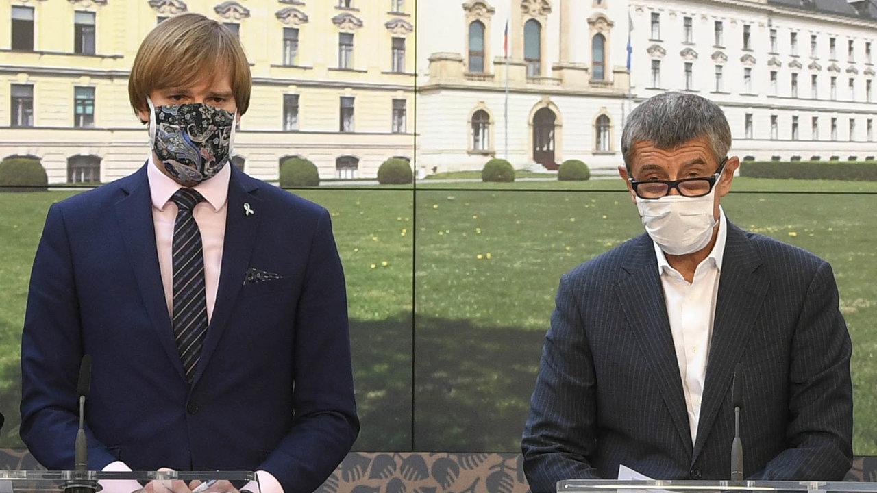 Poprvé to zrušil soud. Premiér Andrej Babiš chce nyní posílit pravomoc ministra Adama Vojtěcha zákonem.
