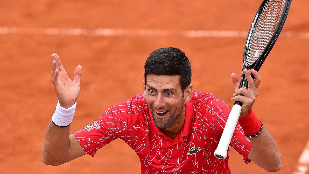 Světová tenisová jednička Novak Djoković oznámila, že měla pozitivní test nakoronavirus. Srbský hráč se nakazil naexhibiční Adria Tour, kterou pořádal.