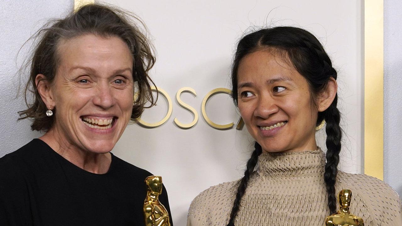 Frances McDormandová a Chloé Zhaoová