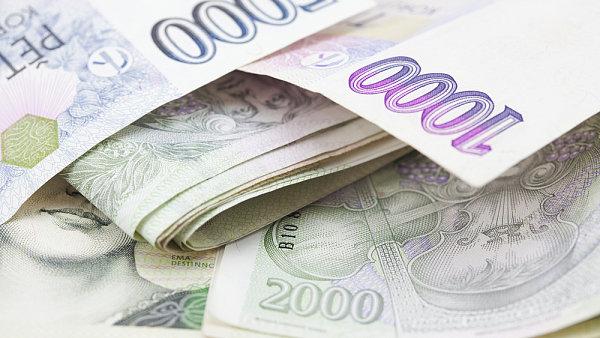 Firmy op�t za��naj� sv�m zam�stnanc�m v�c p�isp�vat na penzijn� p�ipoji�t�n�.