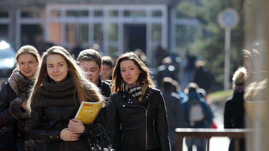 Zájem o penzijní připojištění roste i mezi mladými.