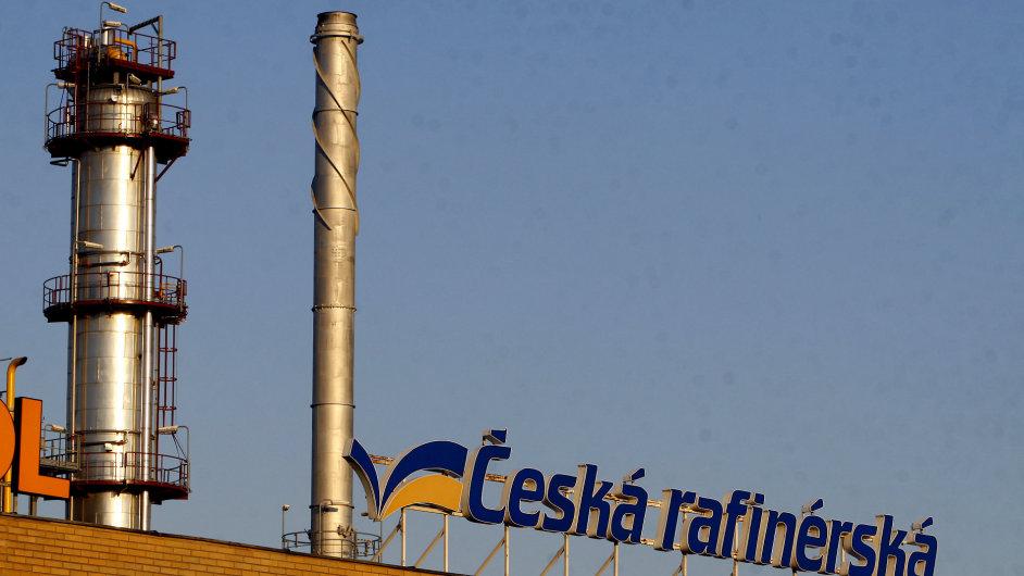 Česká rafinérská je jednou z firem, které obchodují se společností Rosněfť. Ta se nyní objevila na sankčním seznamu. Zatím pouze tom americkém, nikoli evropském.
