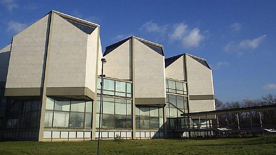 V Muzeu moderního umění v Bělehradě se poslední velká výstava odehrála roku 2007