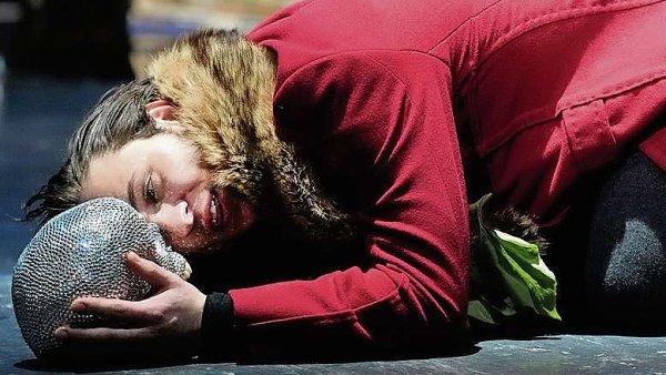 Polsk� re�is�r Jan Klata v Plzni zinscenoval Hamleta.