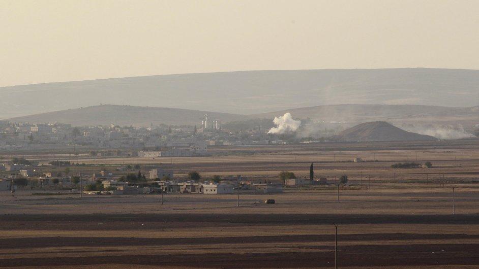 Kouř nad syrským městem Kobani