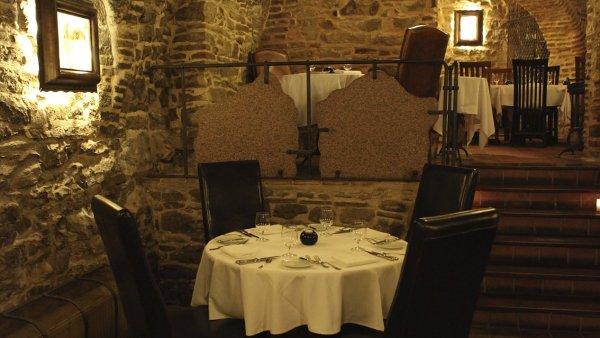 V Restaurantu Le terroir si samotn� chod ned�te. St�lic� je kachn� menu