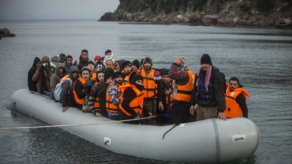 N�mecko p�ijalo u� v�ce ne� milion uprchl�k�, vy�izuje stovky tis�c ��dost� o azyl.