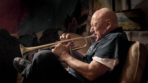 Laco Déczi, jazzový trumpetista, skladatel amalíř
