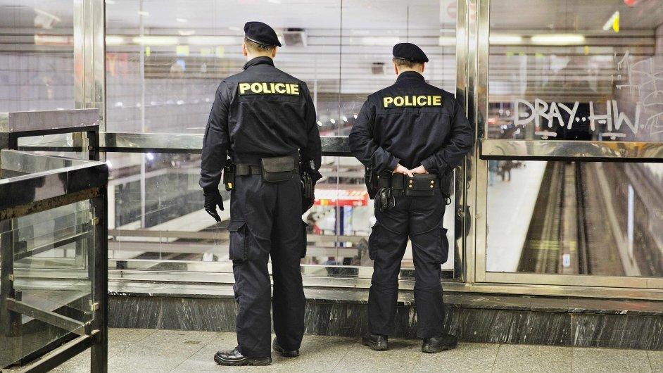 Policisté byli v úterý nasazeni v pražském metru v reakci na teroristické útoky v Bruselu.