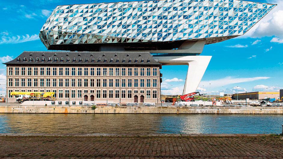 Nová centrála antverpského přístavu od Zahy Hadid