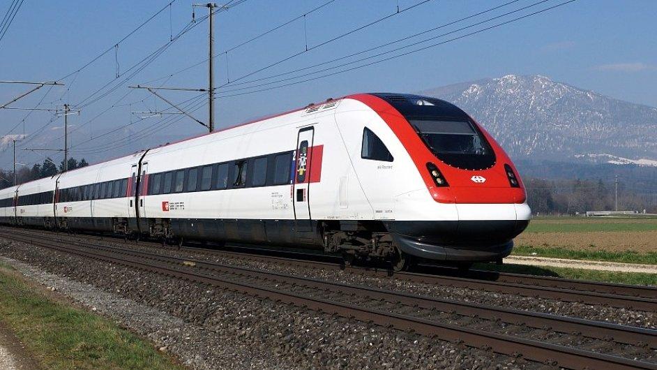 Vlak Švýcarských spolkových drah (Schweizerische Bundesbahnen, SBB, Swiss Federal Railways)