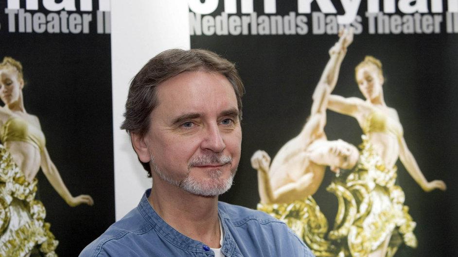 Tanečník a choreograf Jiří Kylián je na archivním snímku z roku 2007, kdy uváděl tři choreografie ve Slovenském národním divadle.