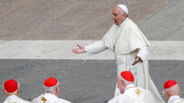 Papež František už v červnu 2014 exkomunikoval jednu z nejnebezpečnějších skupin organizovaného zločinu v Itálii, mafiánskou organizaci 'Ndrangheta.