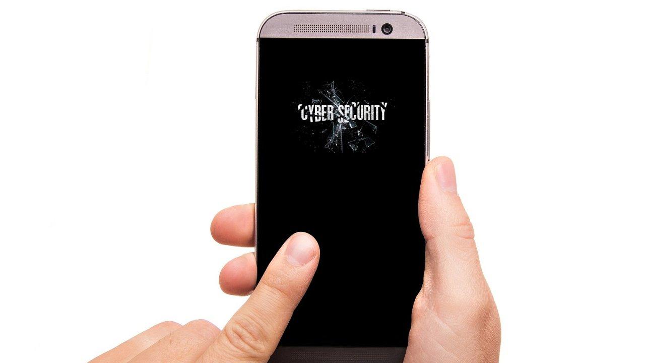 Malware v mobilním telefonu, ilustrace