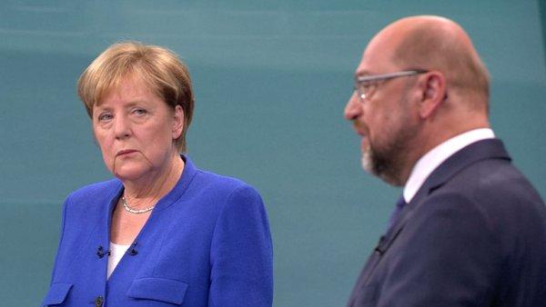 Ztráta SPD po debatě Schulze a Merkelové ještě narostla