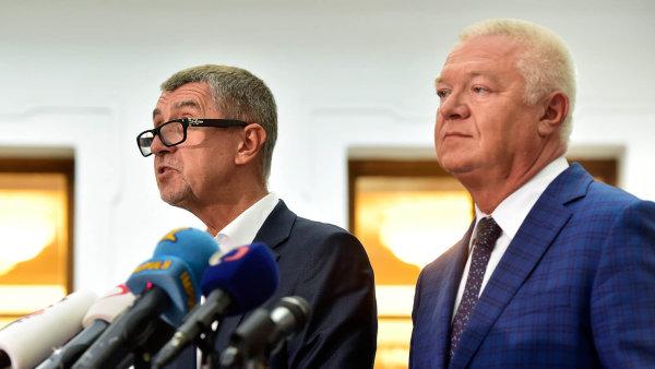 Poslanci vydali lídry hnutí ANO Andreje Babiše a Jaroslava Faltýnka k trestnímu stíhání.