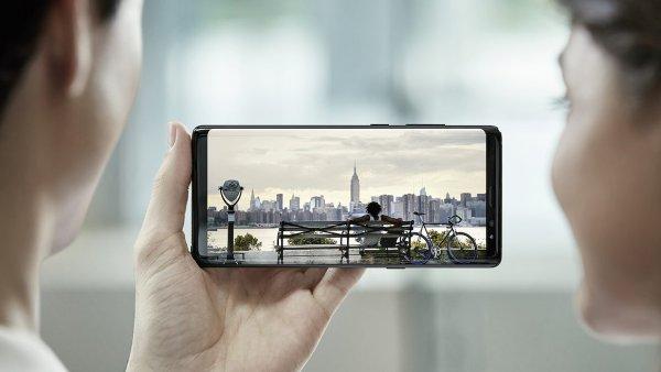 Galaxy Note 8 boduje designem, kvalitou displeje i fotoaparátem.