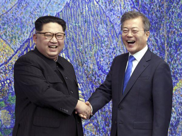 Severokorejský vůdce Kim Čong-un a jihokorejský prezident Mun Če-in.