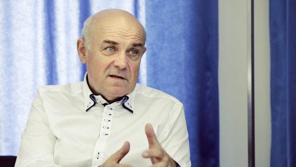 "Profesor Vladimír Mařík, ""otec Průmyslu 4.0""."
