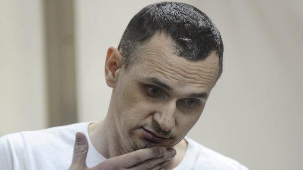 Oleg Sencov se hladovkou domáhal propuštění všech Ukrajinců vězněných v Rusku.