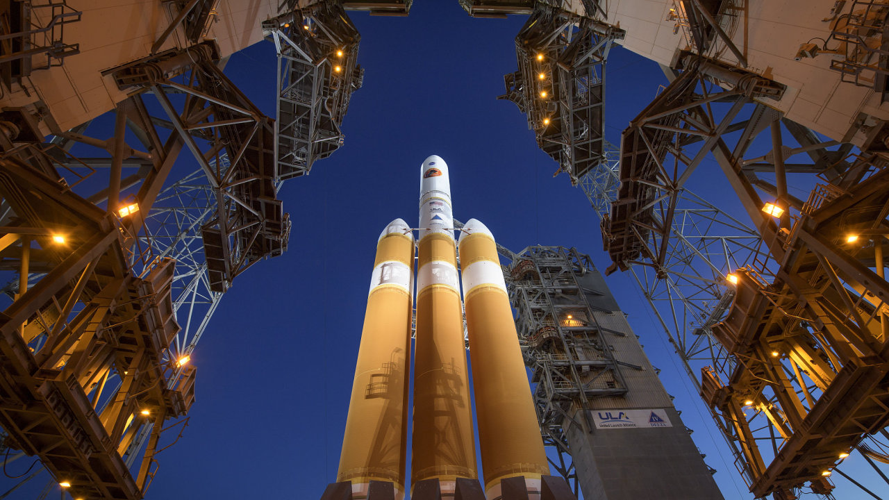 The Mobile Service Tower is rolled back to reveal the United Launch Alliance Delta IV Heavy rocket with the Parker Solar Probe onboard
