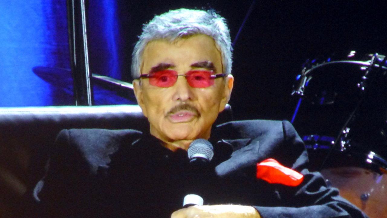 Burt Reynolds v roce 2015.