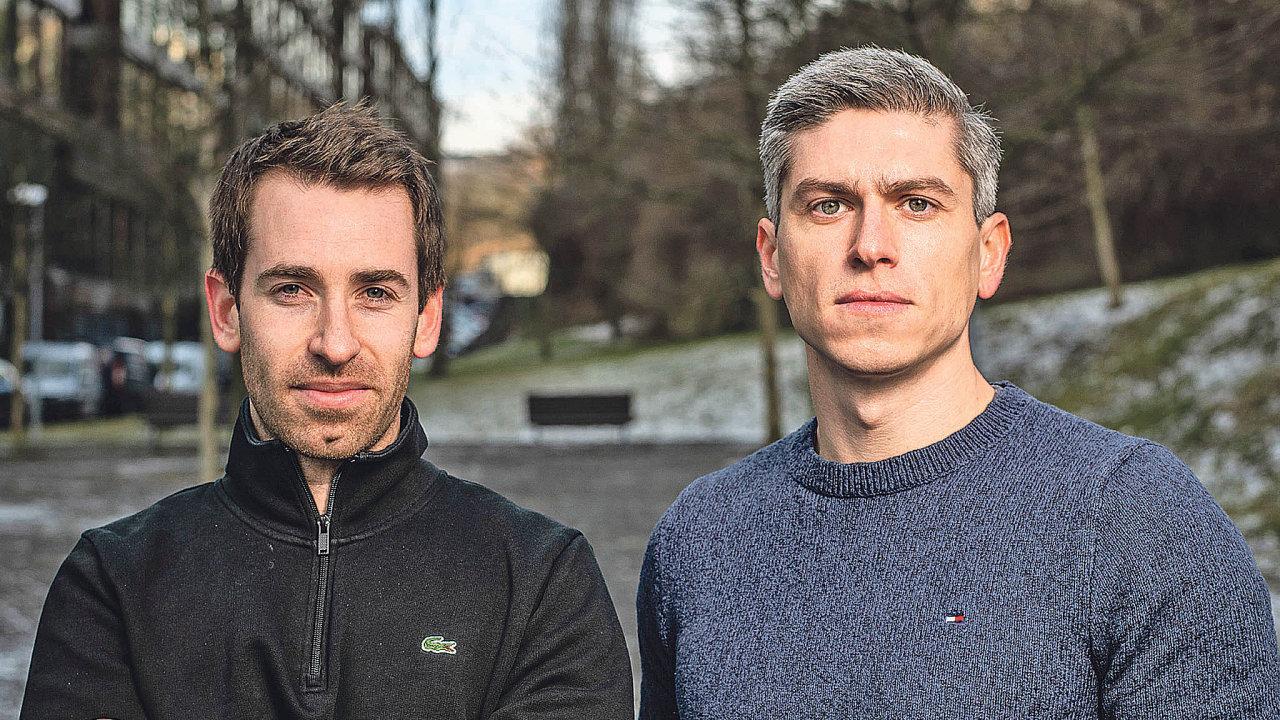 Otechnologii Jakuba Míška (vpravo) aBena Fisteina se zajímá iMicrosoft. Jejich start-up iolevel podporuje vesvé nadaci. Čeští inovátoři chtějí prodat svou firmu právě této americké společnosti.
