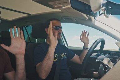 Auto s řidičem, nebo bez něj? Češi mají v etice autonomních vozidel jasno.