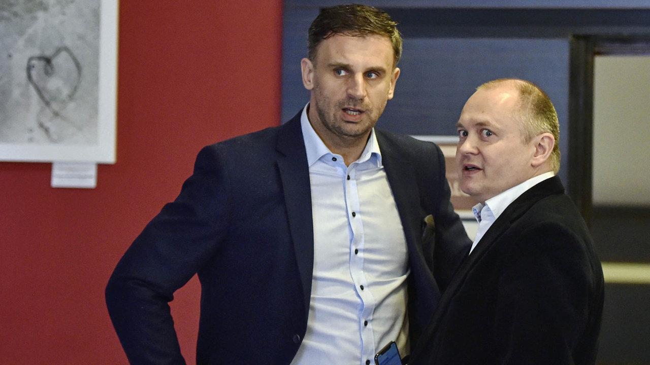 Ikdyž se může zdát případná Haškova kandidatura překvapivá, situace se zaposlední léta vČSSD hodně změnila. Právě odchod Jiřího Zimoly z pozice prvního místopředsedy strany by mu mohl pomoct.
