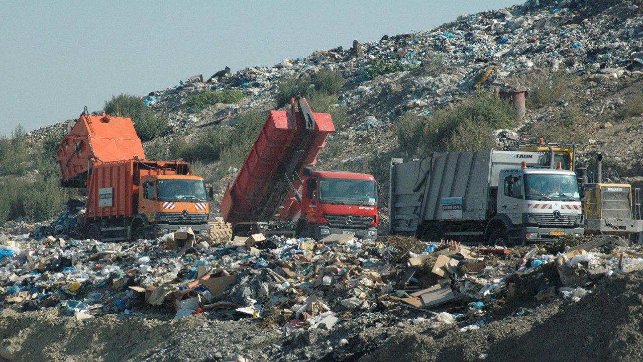 Velký byznys. Likvidace odpadu je v Česku lukrativní pro spoustu firem. Nové požadavky na recyklaci se týkají i jejich byznysu.